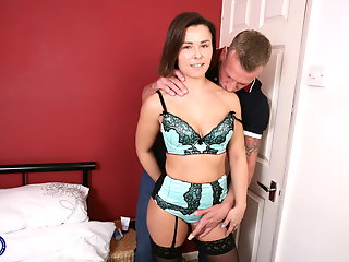 uk mom jamie gets sex strong